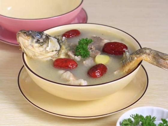 孕妇能吃鲤鱼炖燕窝吗
