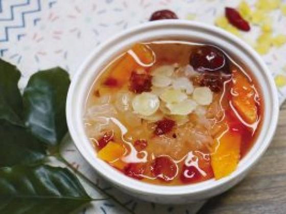 桃胶红枣枸杞炖燕窝的做法