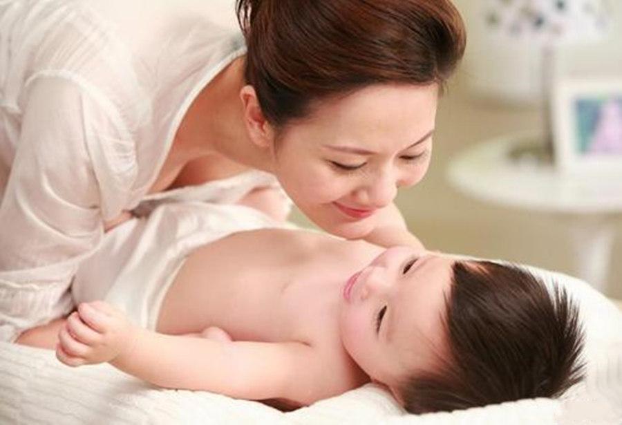哺乳期产妇喝奶粉好还是吃燕窝好