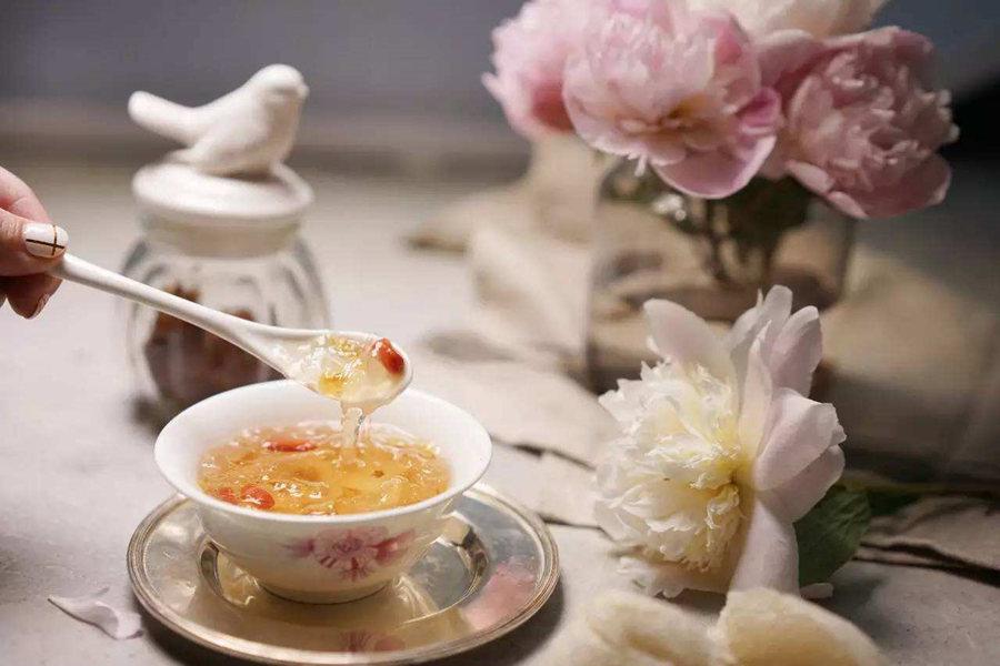 产妇能吃红枣炖燕窝吗