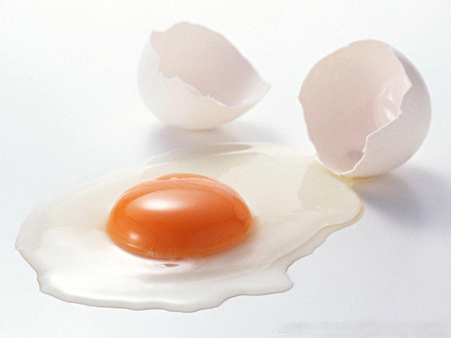 只用鸡蛋清加面粉能美白吗