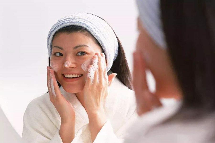 脸部美白简单方法是什么