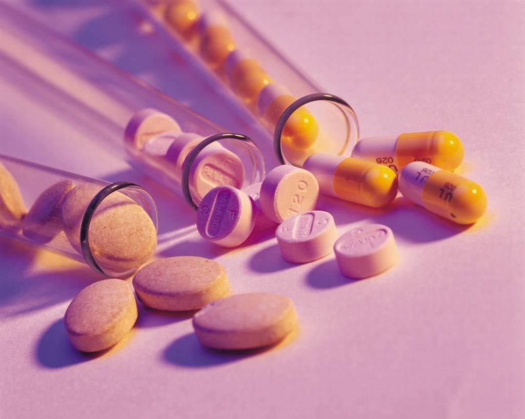怀孕嗓子痛吃什么药