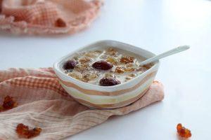 椰汁桃胶炖燕窝的做法